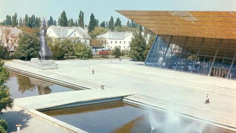 кинотеатр «Аврора», 1983 год