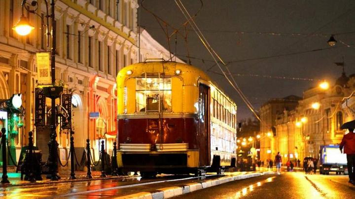 Нижний Новгород, ул. Рождественская, ретротрамвай. Фото: Татьяна Александрушкина